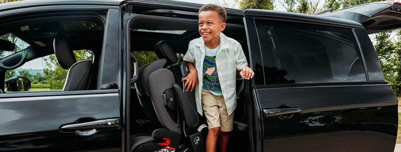 kid gets out 2019 Chrysler Pacifica