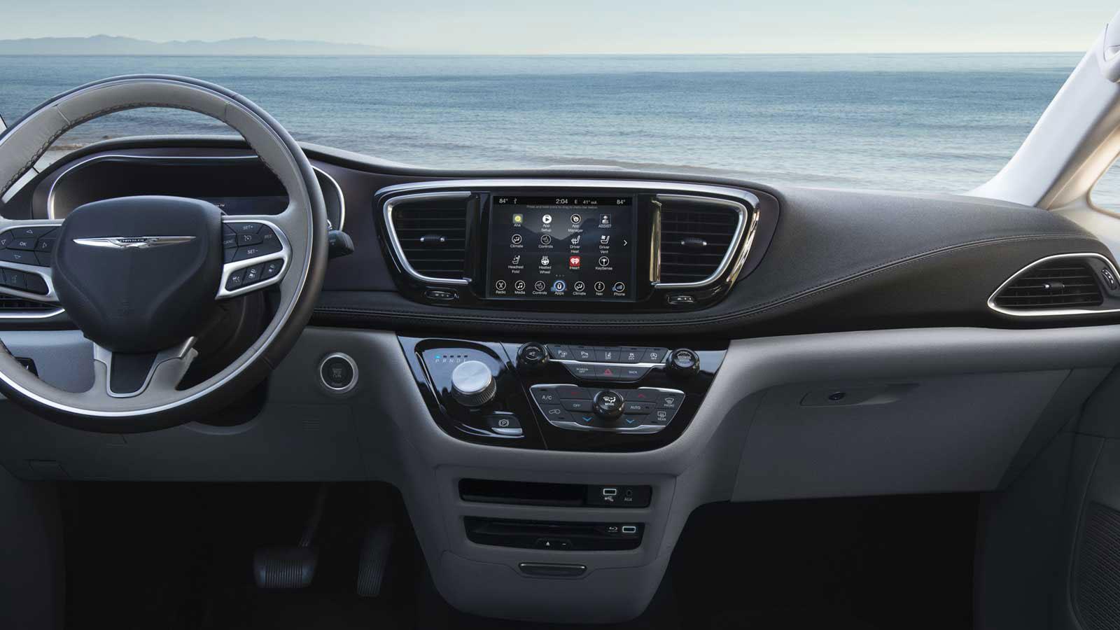 Chrysler Pacifica Lease >> 2017 Chrysler Pacifica Mini Van Artioli Chrysler Dodge Ram