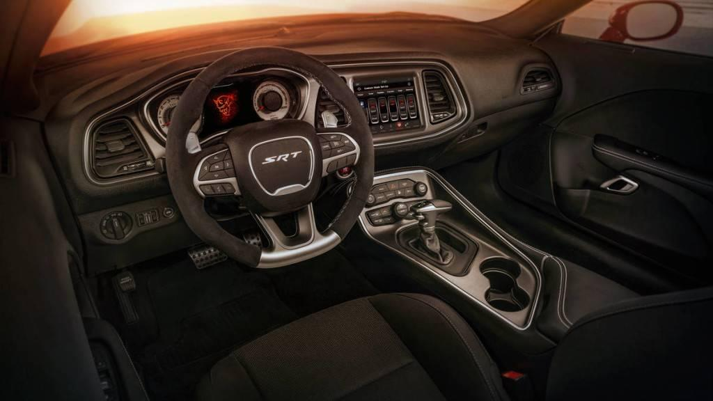 Aventura 2018 Dodge Demon Interior