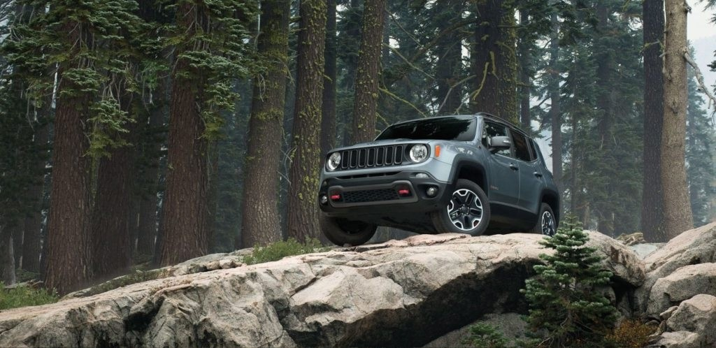 Aventura 2017 Jeep Renegade Trailhawk Featured