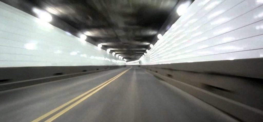 Aventura Chyrsler Self-Driving Detroit-Windsor Tunnel