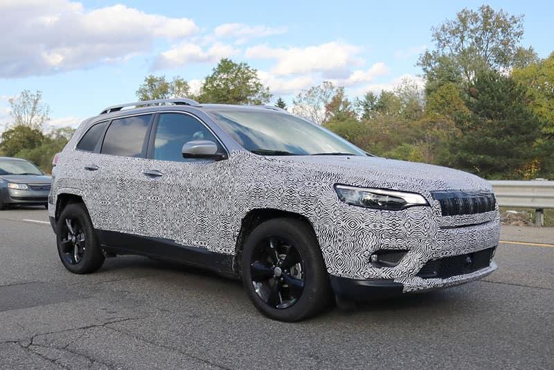 Aventura 2019 Jeep Cherokee Spy Shots
