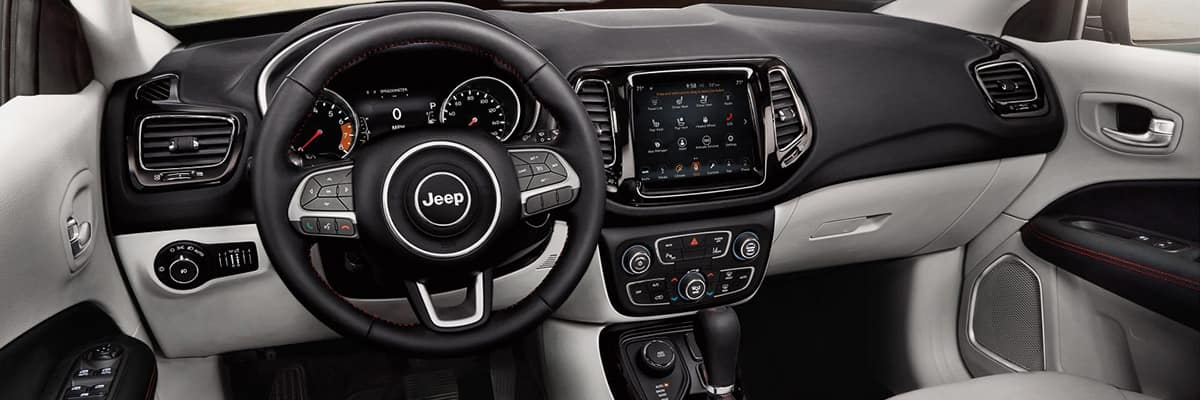 Aventura 2018 Jeep Compass Tech