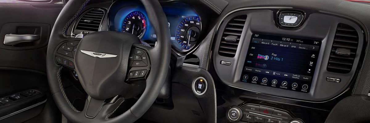 Aventura CJDR 2018 Chrysler 300 Tech