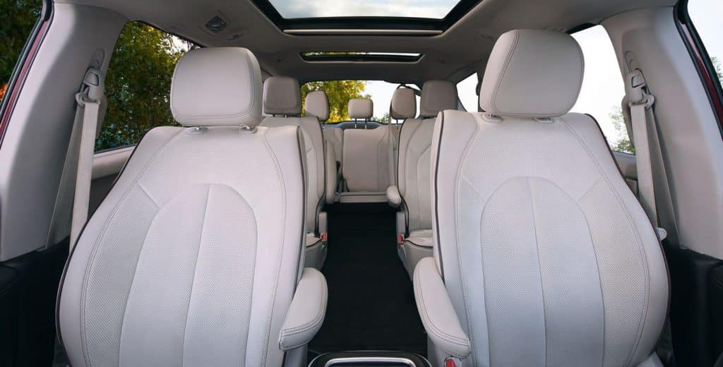 Aventura CJDR 2018 Chrysler Pacifica Interior
