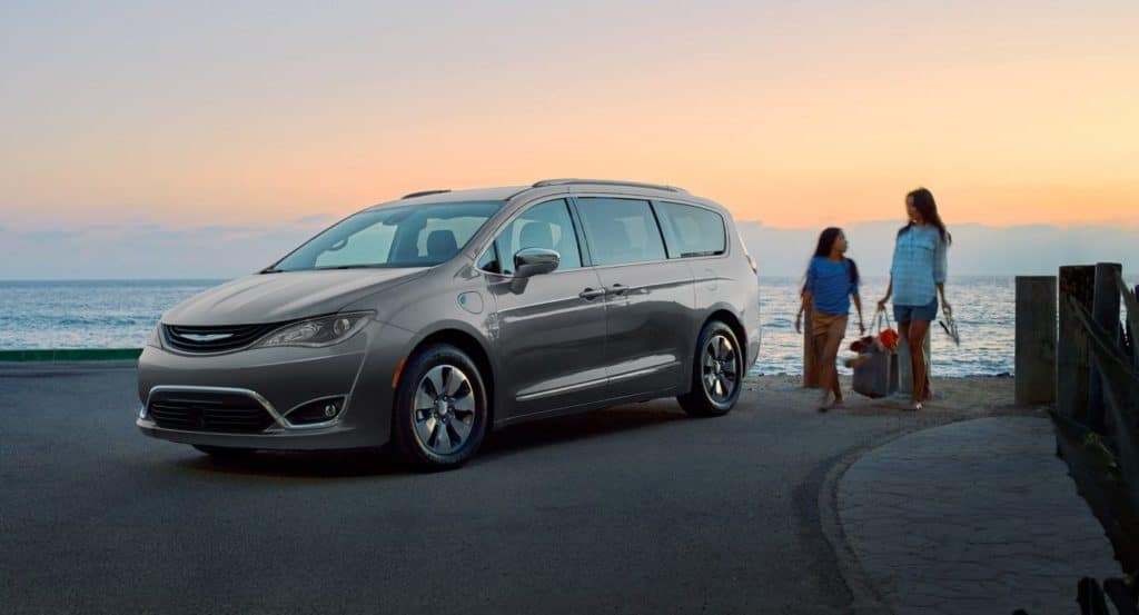Aventura CJDR 2018 Chrysler Pacifica Hybrid Canadian Green Car Awards