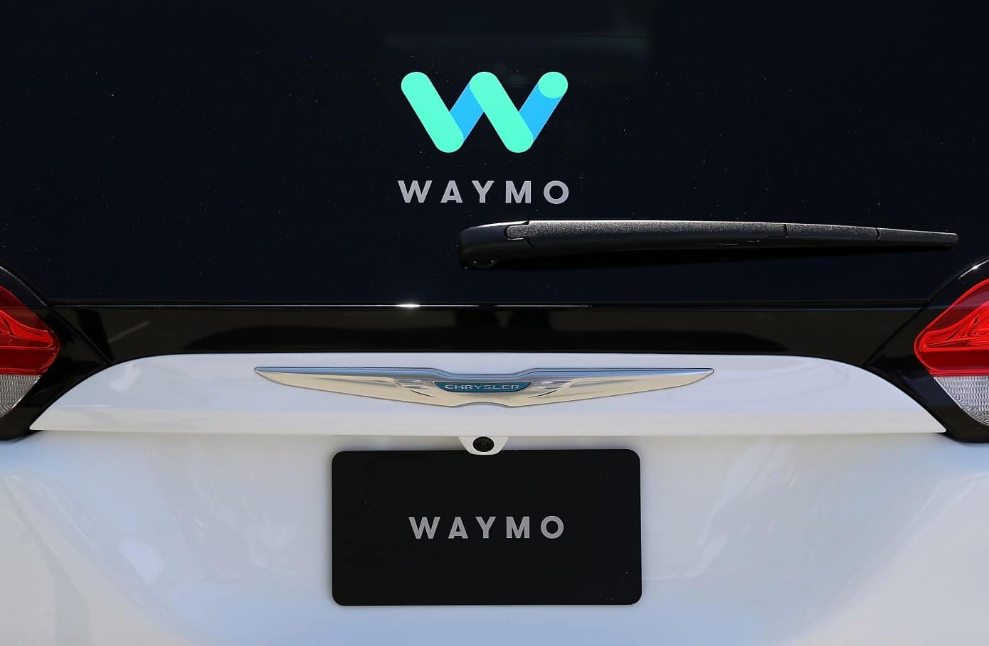 aventura-cjdr-waymo-2019-fiat-chrysler-updates