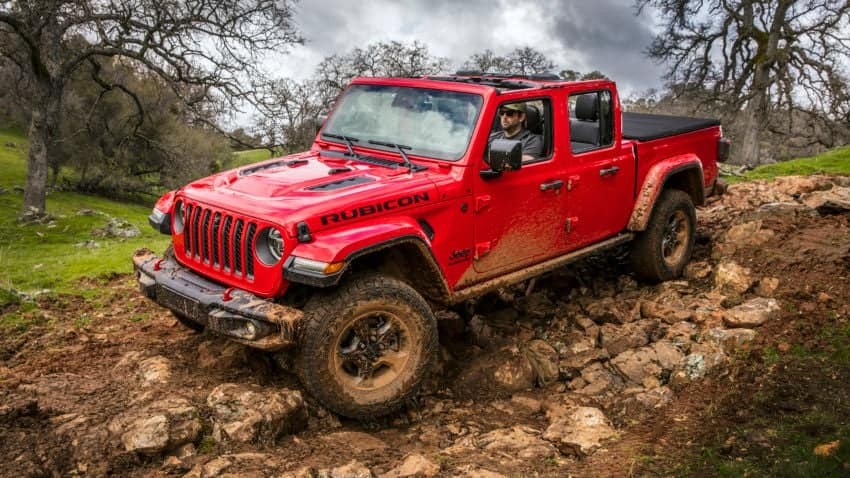 aventura-cjdr-2020-Jeep-Gladiator-off-road