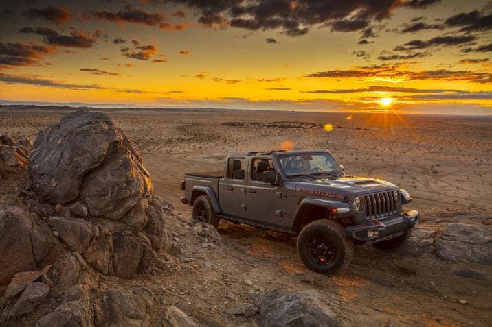 aventura-cjdr-2020-jeep-gladiator-desert-rated-chicago-auto-show