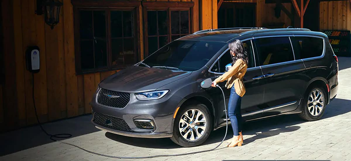 aventura-cjdr-2021-chrysler-pacifica-hybrid-power