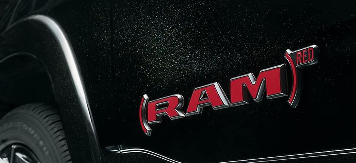 aventura-cjdr-2022-ram-jeep-fiat-red-models