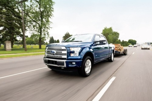 2017 Ford F-150 pulls trailer