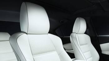 2017-mazda6-interior-seats-white-closeup