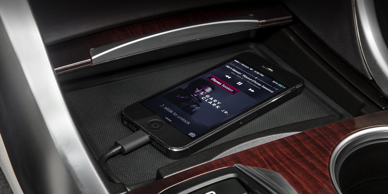 2016-tlx-interior-v-6-gadget-pocket