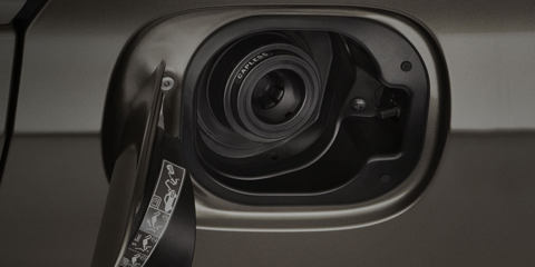 2017 Acura RLX Capless Fuel Door