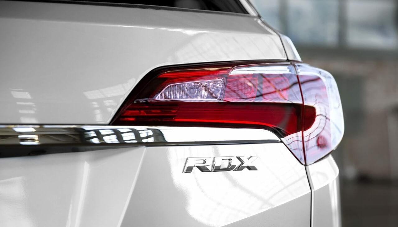 2018 Acura RDX badge