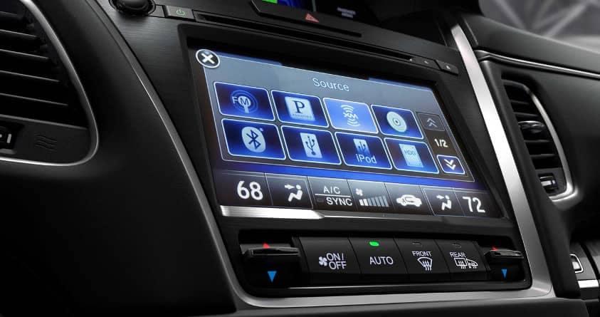 connectivity in 2019 Acura RLX
