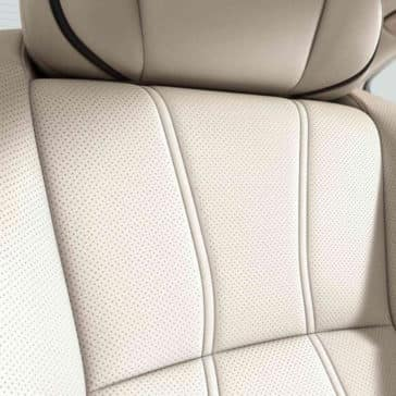 2018 Acura RLX leather seat