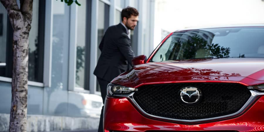 Man opens passenger door on Driver in 2018 Mazda CX-5