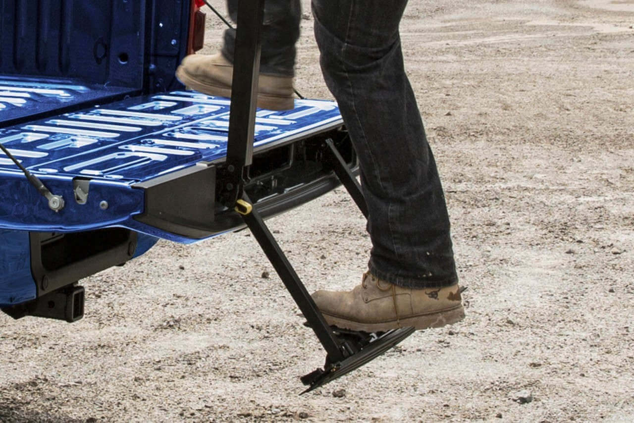 Ford F-150 Tailgate Step with Tailgate Lift Assist