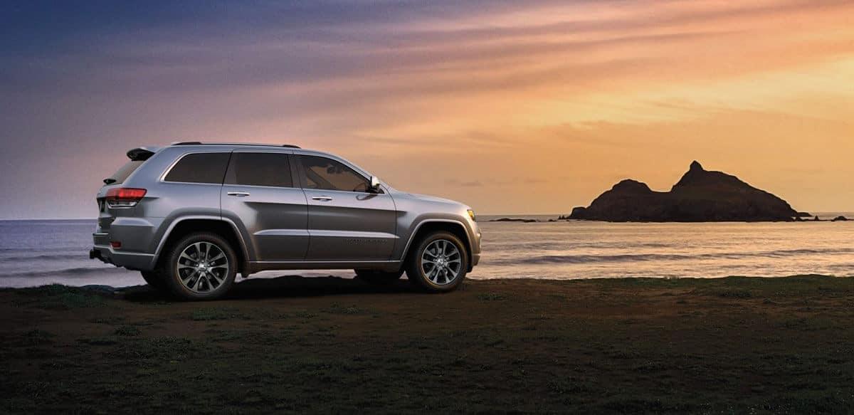 2018 Jeep Grand Cherokee at dusk