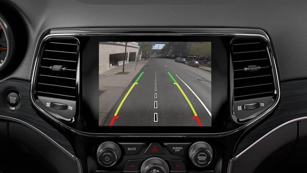2019-Jeep-Grand-Cherokee-rearview-camera