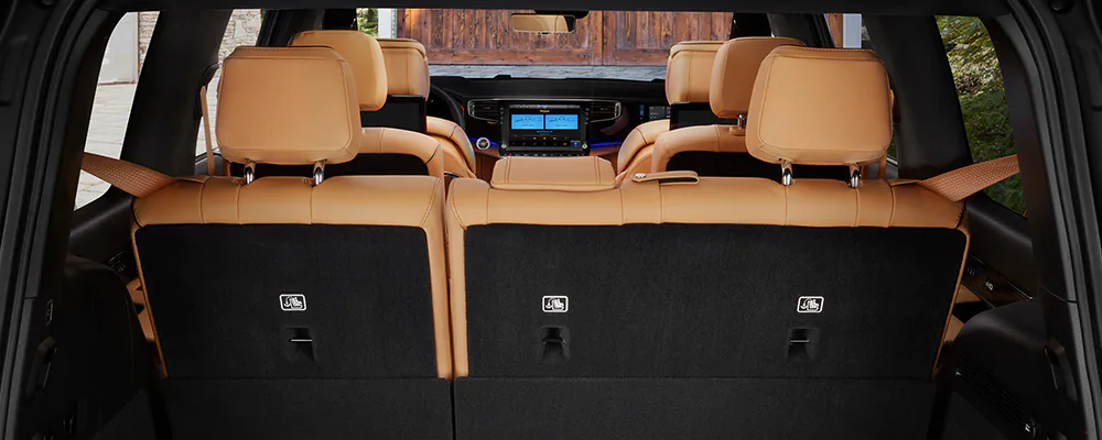 2022 Jeep Wagoneer cargo area and seats
