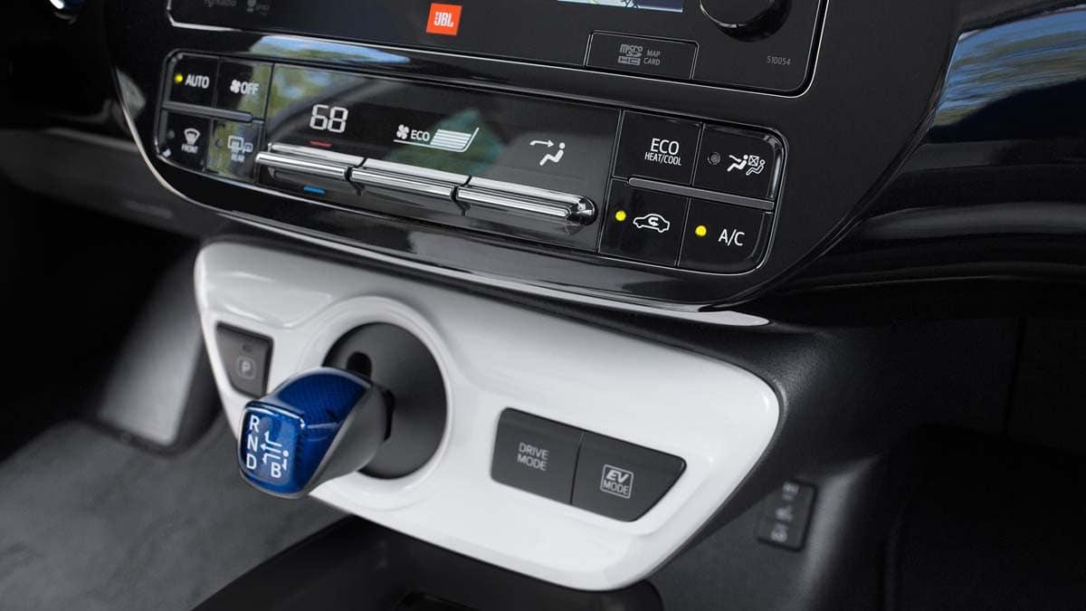 2017 Toyota Prius Four Touring Climate Control