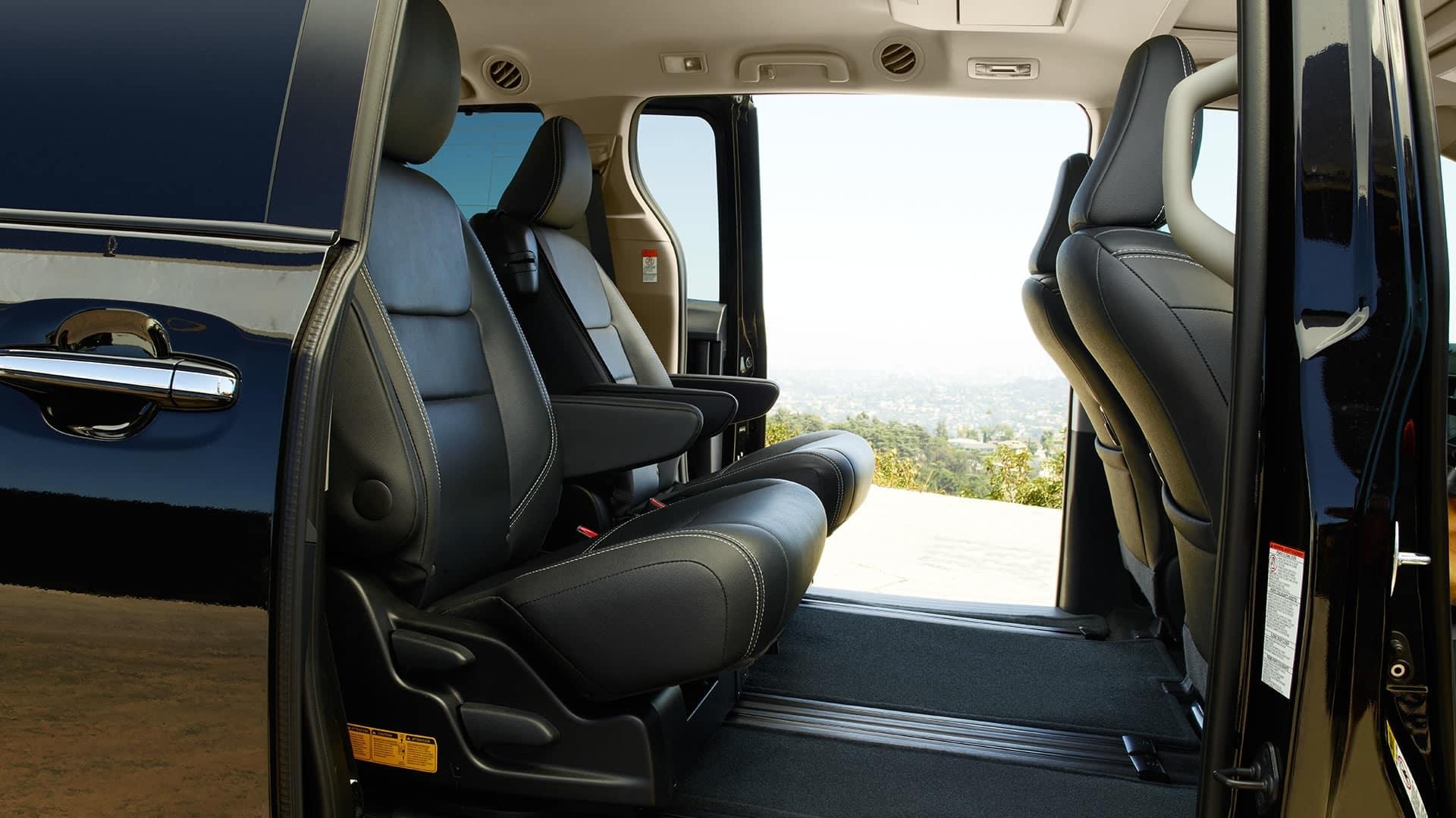 2017 Toyota Sienna SE Premium Interior Seating Black wtih White Accent Stitching