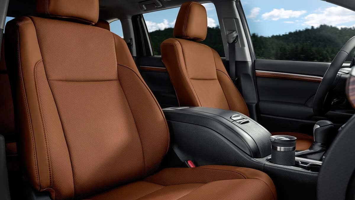 2017-Toyota-Highlander-Limited-Saddle-Tan-Interior