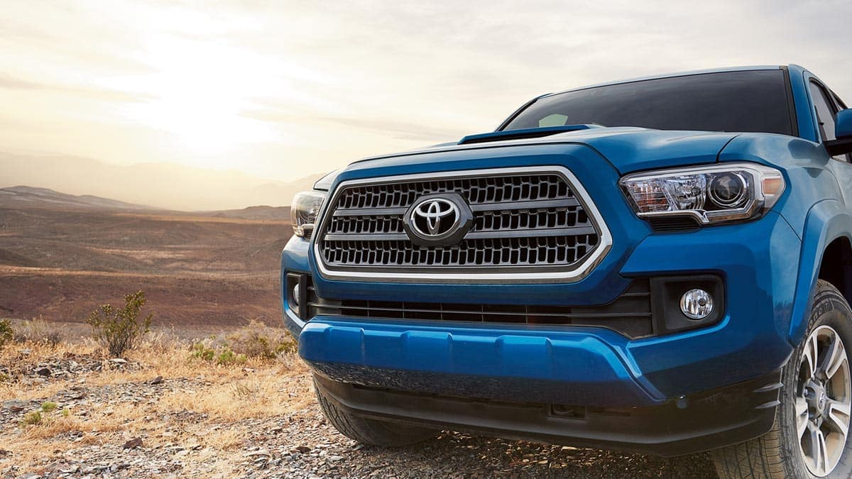 2017-Toyota-Tacoma-TRD-Sport-Double-Cab-Front-Detail