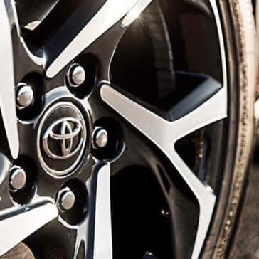 2018-Toyota-C-HR-XLE-wheel