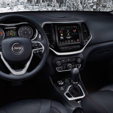 2017 Jeep Cherokee Trailhawk Interior Gallery 5