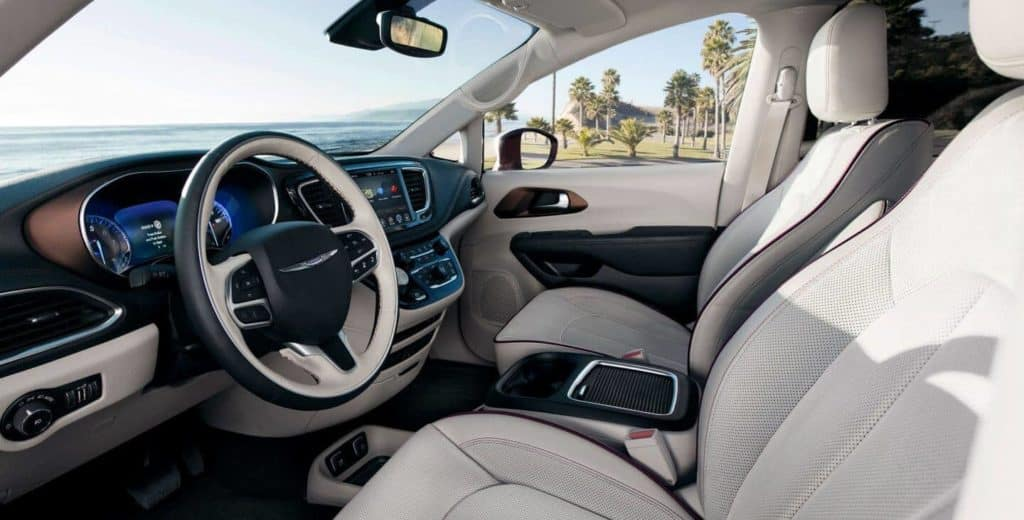 2018 Chrysler Pacifica front seating dashboard