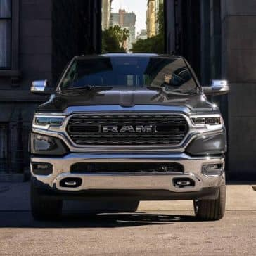 2019-Ram-1500-drives-down-city-alley