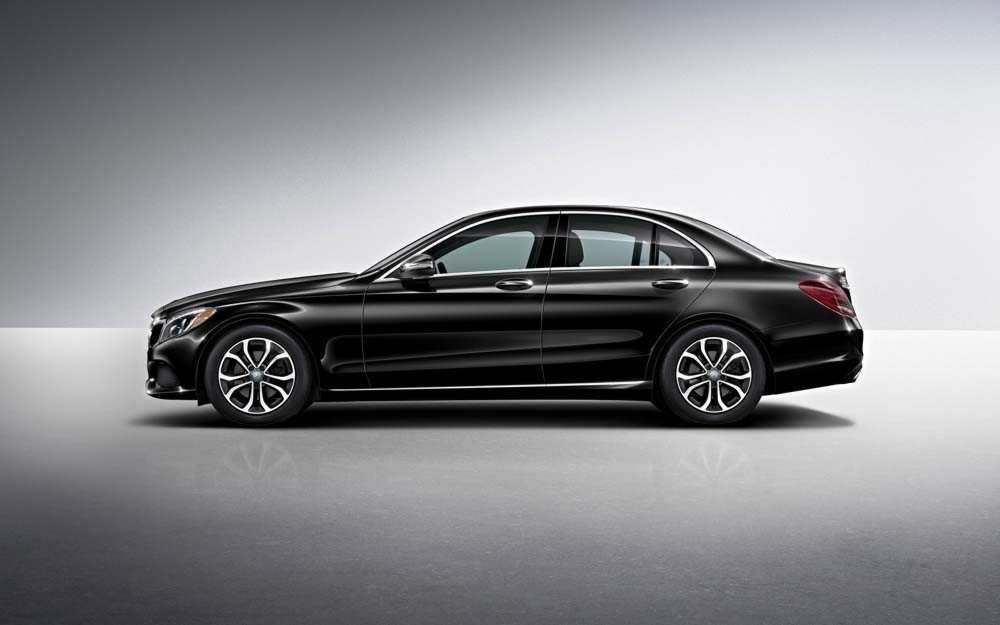 Get a glimpse of the new 2018 mercedes benz c 300 sedan for Mercedes benz offers