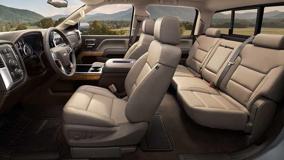 Interior Features of the New Chevrolet Silverado at Garber in Linwood, MI