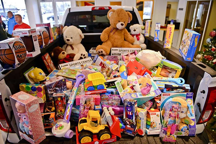 donations large and small are appreciated and if youd prefer to make a monetary donation you can do so on the toys for tots website through christmas - Toy Donations For Christmas