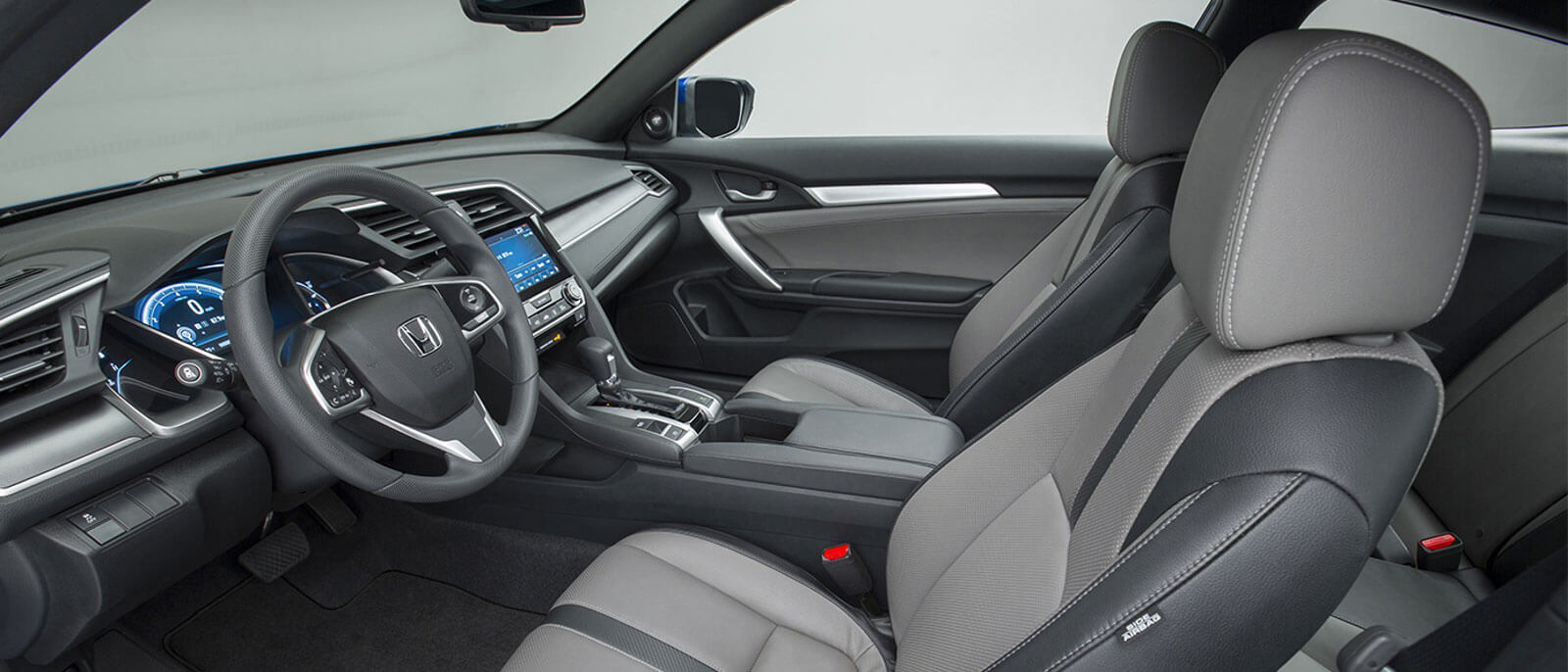 2016 Honda Civic Coupe interior