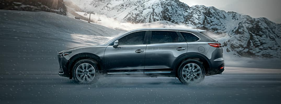 Mazda CX-9 in Snow