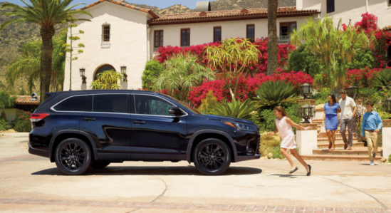 2019 Toyota Highlander with Family