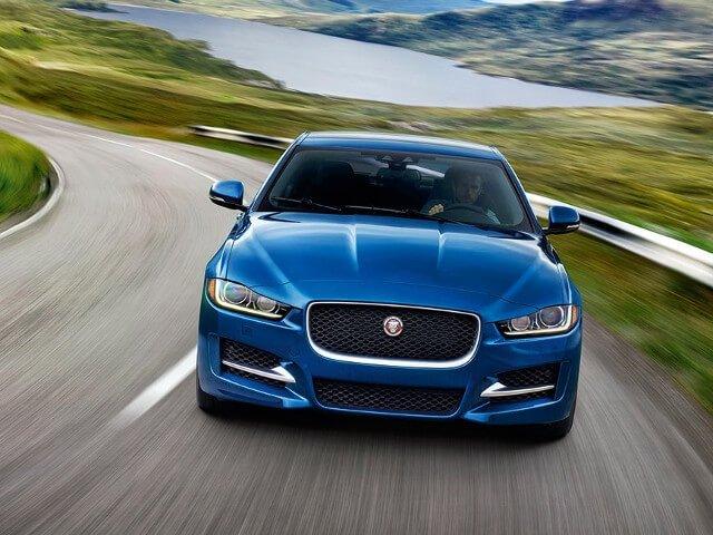 2018 Jaguar XE thumbnail