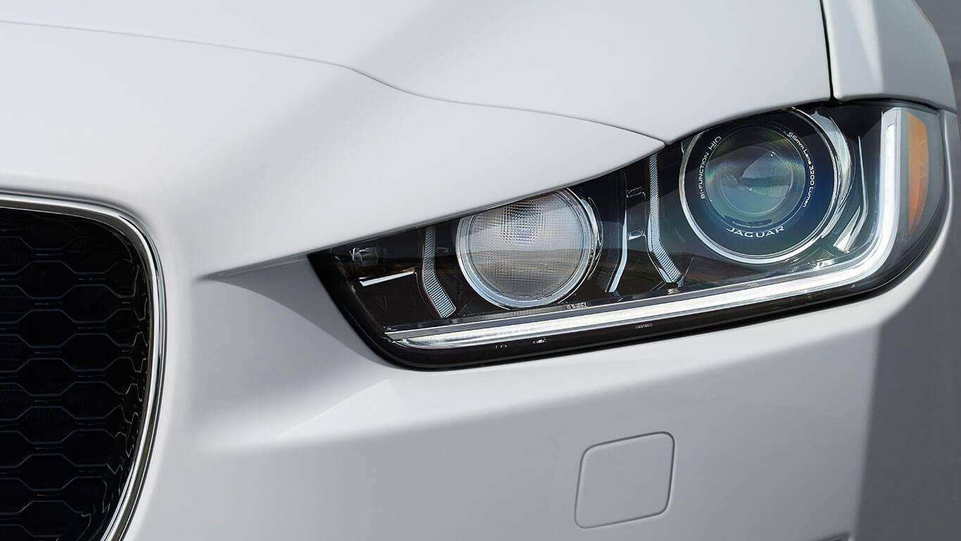 2018-jaguar-xe-headlight