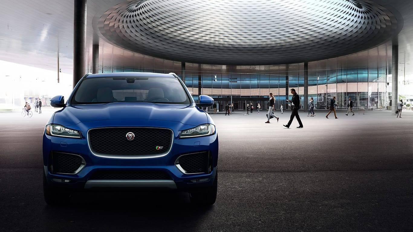 Jaguar F-PACE-Dark Sapphire Blue