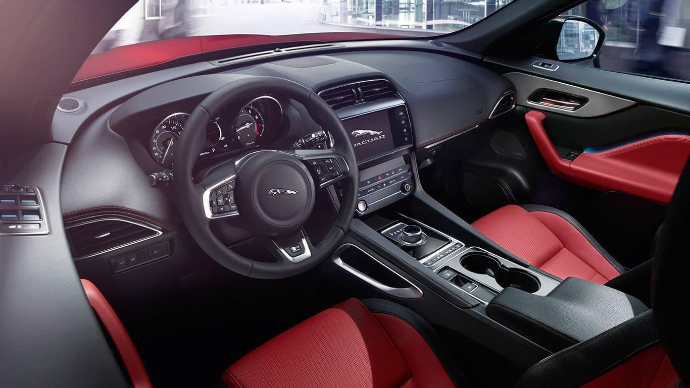 Jaguar F-PACE-interior