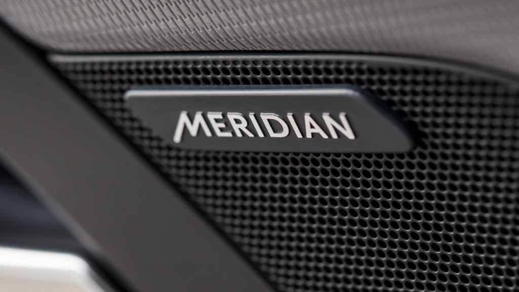 2018 Jaguar XE Meridian Sound System