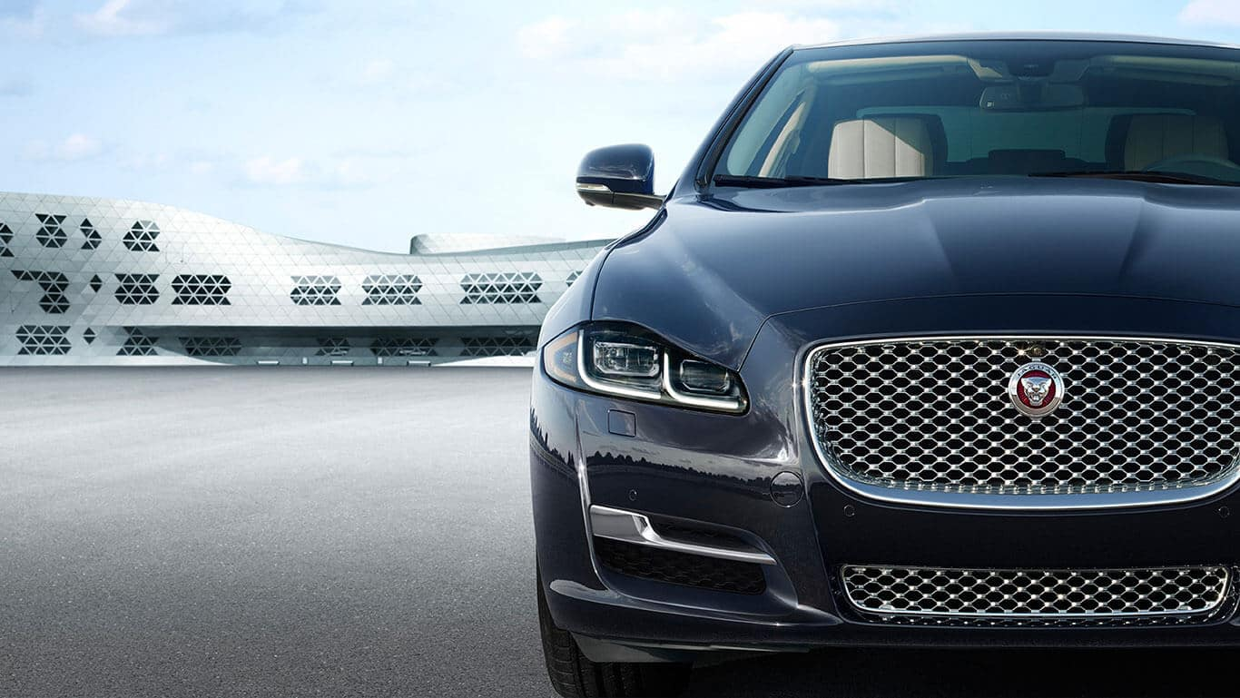 2018 Jaguar XJ Front End Close up view