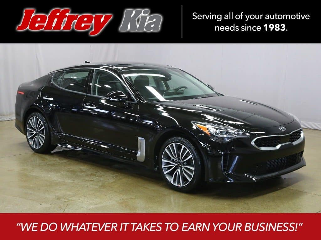 2018 Kia Stinger Premium w/Navigation & AWD