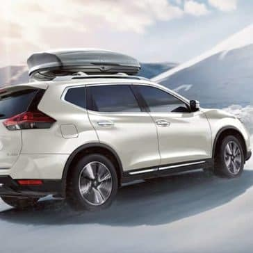 2019 Nissan Rogue off-roading in the snow