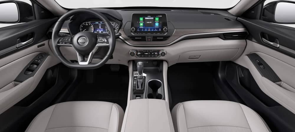 2019 Nissan Altima front seat legroom